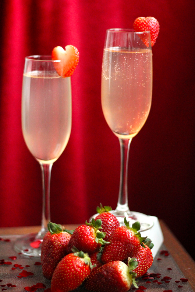 Ros champagne and sparkling wine for valentine s day i for Champagne mixed drinks