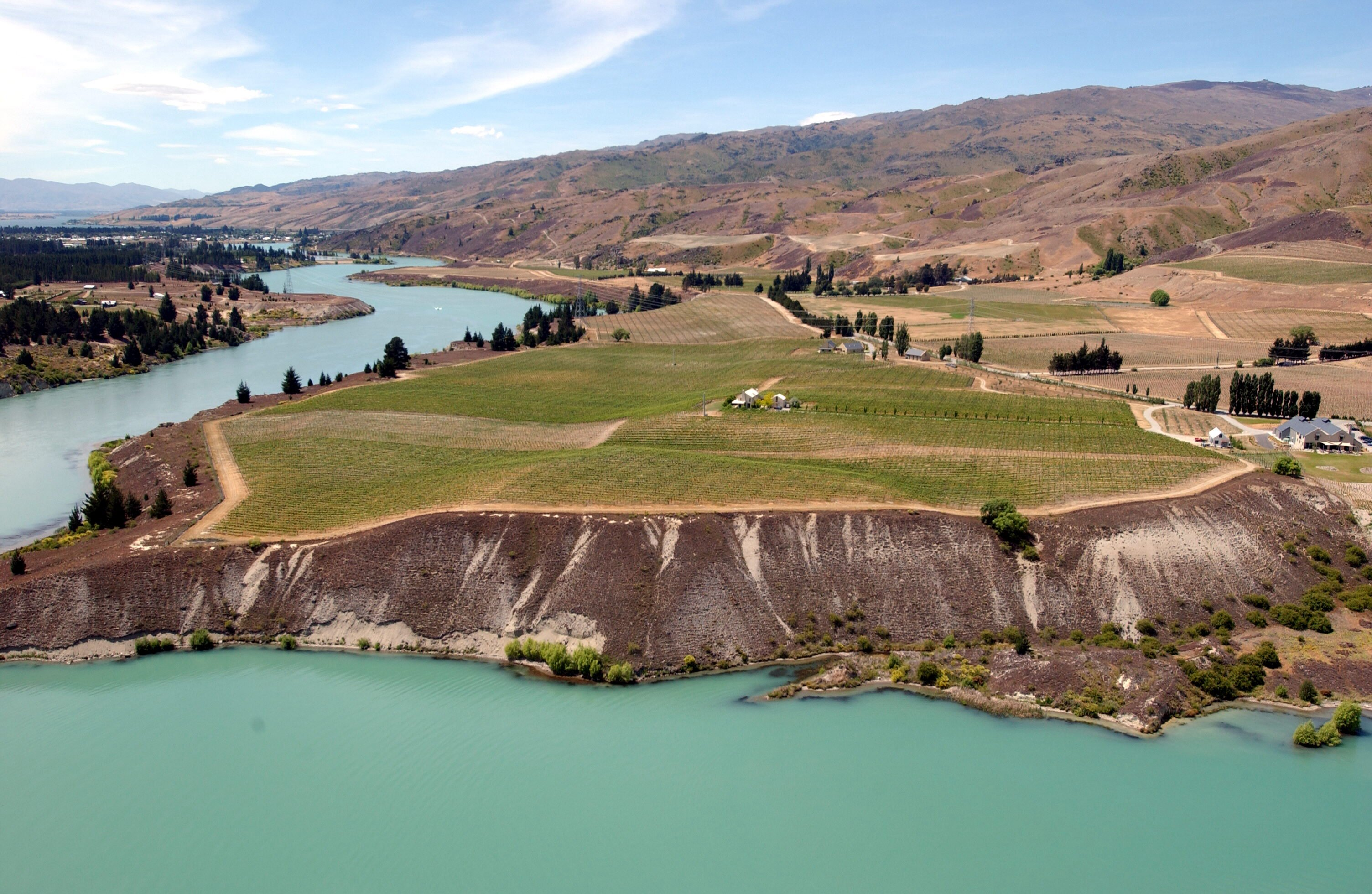 The Carrick Vineyards on the Shores of Lake Dunstan