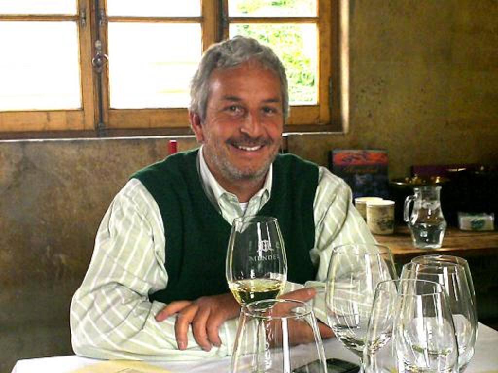 Winemaker Roberto de la Mota